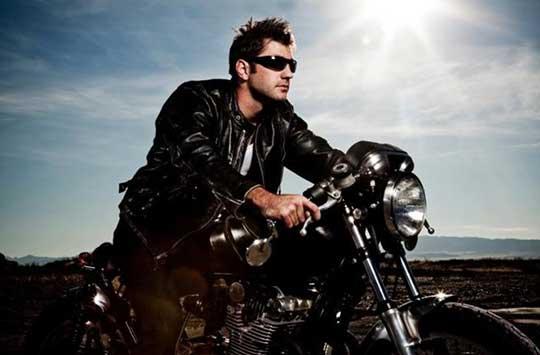 """Ο μύθος της """"επικίνδυνης"""" μοτοσικλέτας…"""