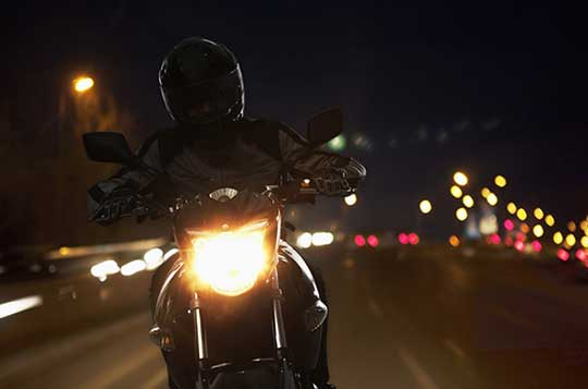 9 Tip για νυχτερινή οδήγηση.